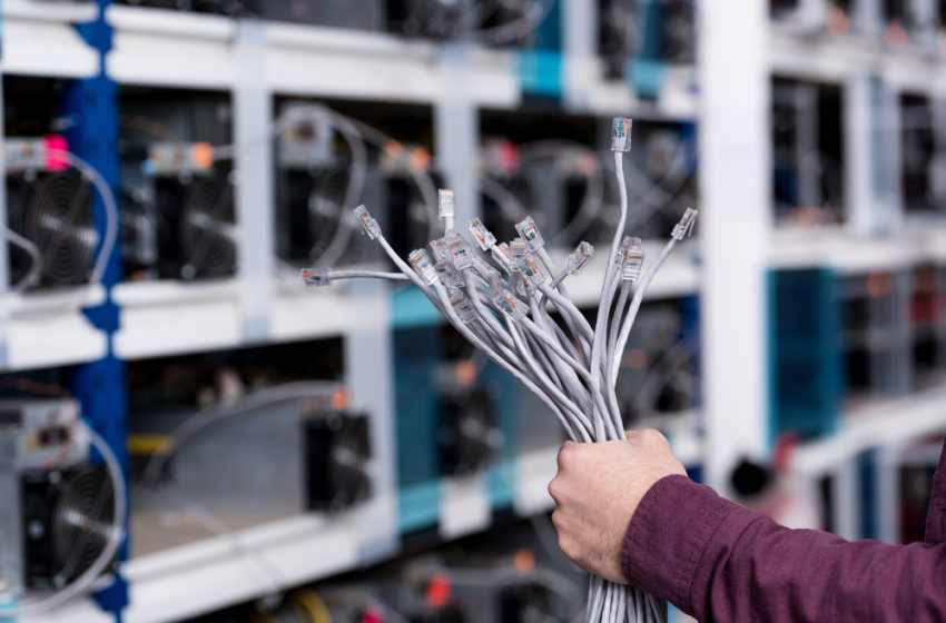 Bitcoin On-Chain Data Reveals Chinese Mining Pool Behind Its Crash