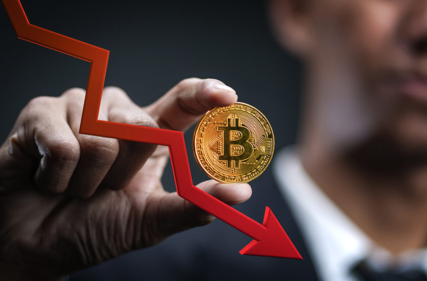 Bitcoin Analyst Warns Price Could Dip Below $20,000; Here's Why