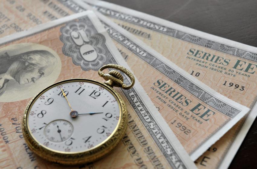 Bitcoin Drops Alongside Tech Stocks as Bond Yields Rise